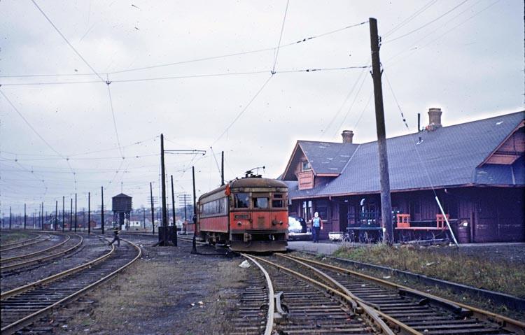 NST82 at Merritton - November 21, 1954
